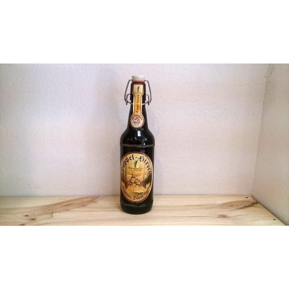 Botella de Cerveza Hirschbräu Doppel-Hirsch
