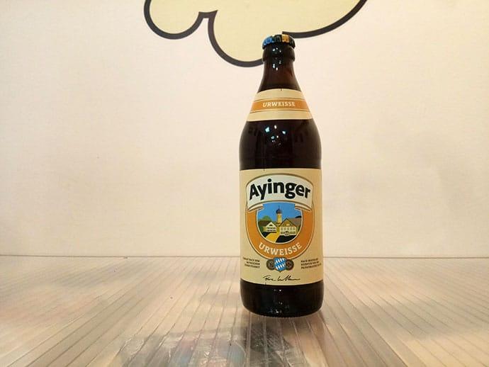 Botella de Cerveza Ayinger Urweisse