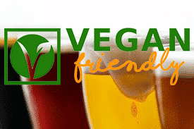 Varias pintas de cerveza con logotipo vegan-friendly