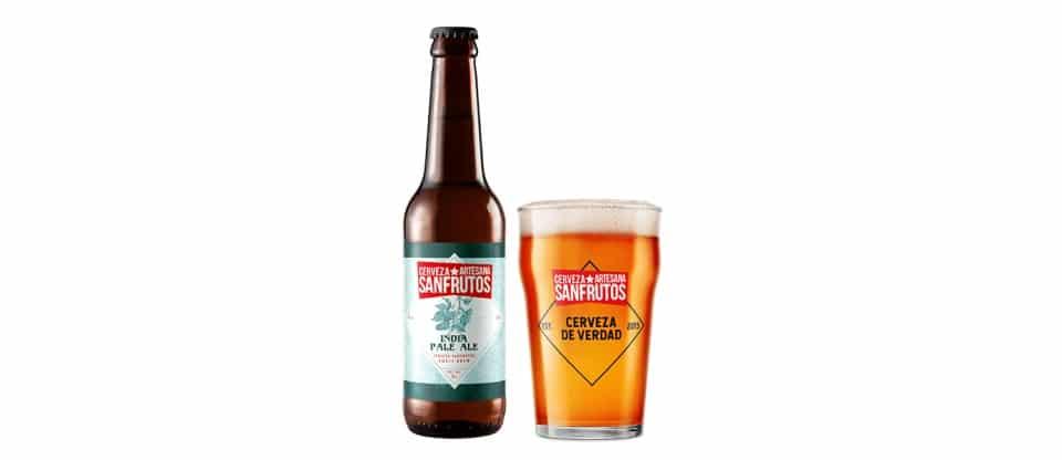 Botella y vaso de Cerveza Sanfrutos IPA