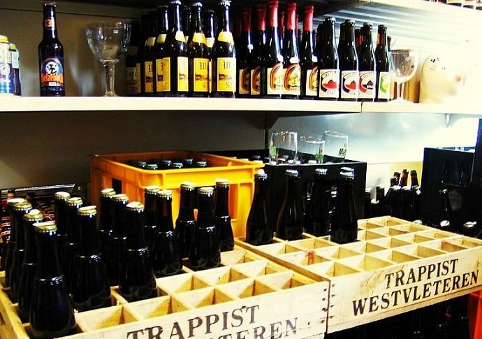 Botellas de cerveza belga westvleteren